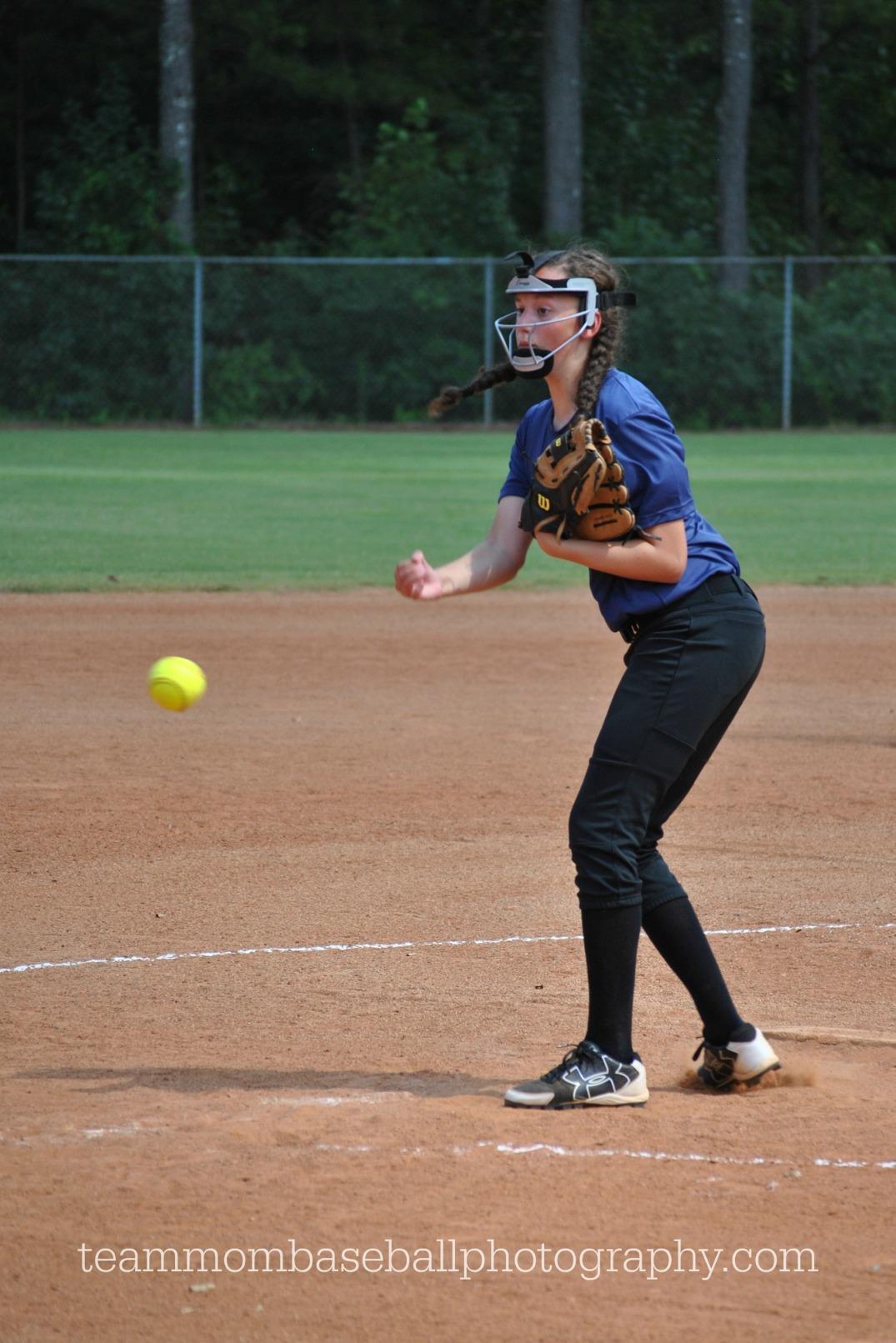 sarah-pitching