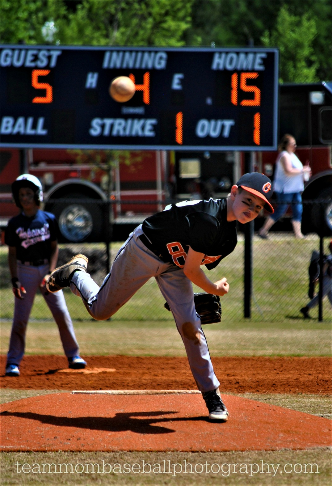 luke-pitching